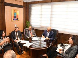 وزيرة التخطيط تبحث آلية صندوق الاستثمار القومي الخيري للتعليم