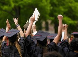 الجامعات المصرية تنافس بالأسعار و«التوأمة» لجذب الوافدين
