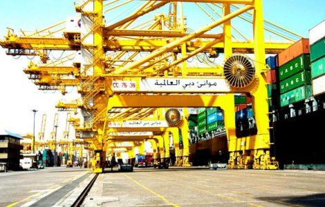 منها المعدات ومواد البناء .. جمارك دبي تعفي 7 بضائع من الرسوم الجمركية داخل المناطق الحرة
