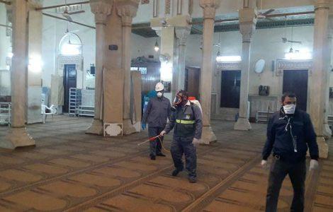 «مسافة لا تقل عن متر ونصف طولا وعرضا».. مصر تعلن غدا ضوابط فتح المساجد