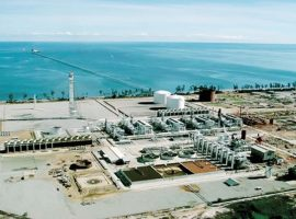 بنوك استثمار: خفض أسعار الغاز والكهرباء إيجابى للصناعة.. ولكن!