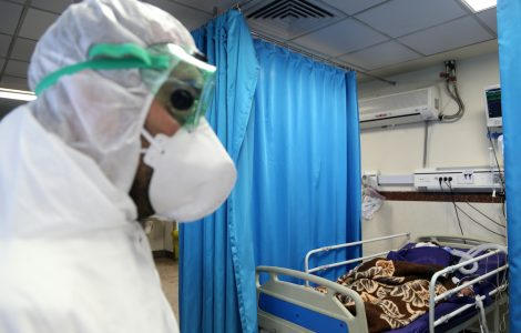 «مشكلة عالمية».. لجنة مكافحة كورونا : توجيه المرضى للمستشفيات يتم مركزيا وتم حل أزمة التأخير