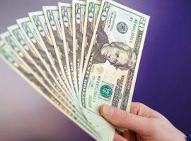 سعر الدولار يتراجع الثلاثاء مع تحسن شهية المستثمرين للعملات الخطرة