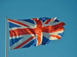 تظاهرات في بريطانيا احتجاجًا على التباعد الاجتماعي والإغلاق