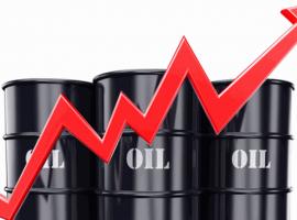 أسعار البترول العالمية تحوم قرب أعلى مستوى في 13 شهرا