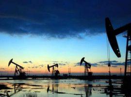 تذبذب أسعار البترول عالميًا.. والوسيط الأمريكى يلامس 70 دولارا للبرميل